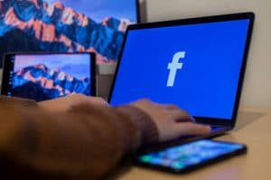Facebook Ads for E-commerce: 7 Effective Strategies